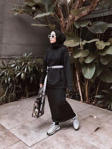 'Hijab Street Style' Akan Jadi Tren di 2019, Sudah Punya?