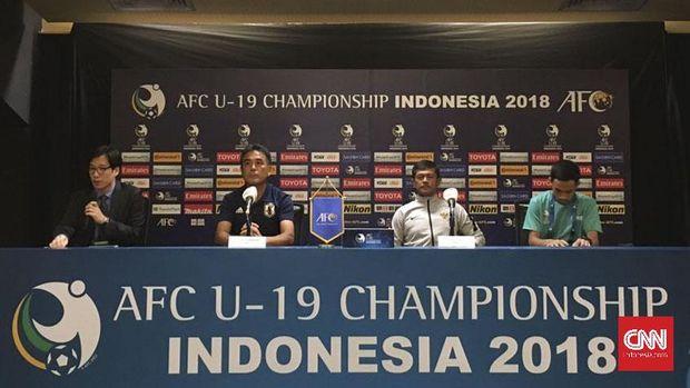 Sesi konferensi pers jelang laga perempat final Piala Asia U-19 2018 antara Timnas Indonesia dan timnas Jepang.