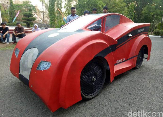 Ferrari ala Mahasiswa Makassar 1 Liter BBM buat 100 Km