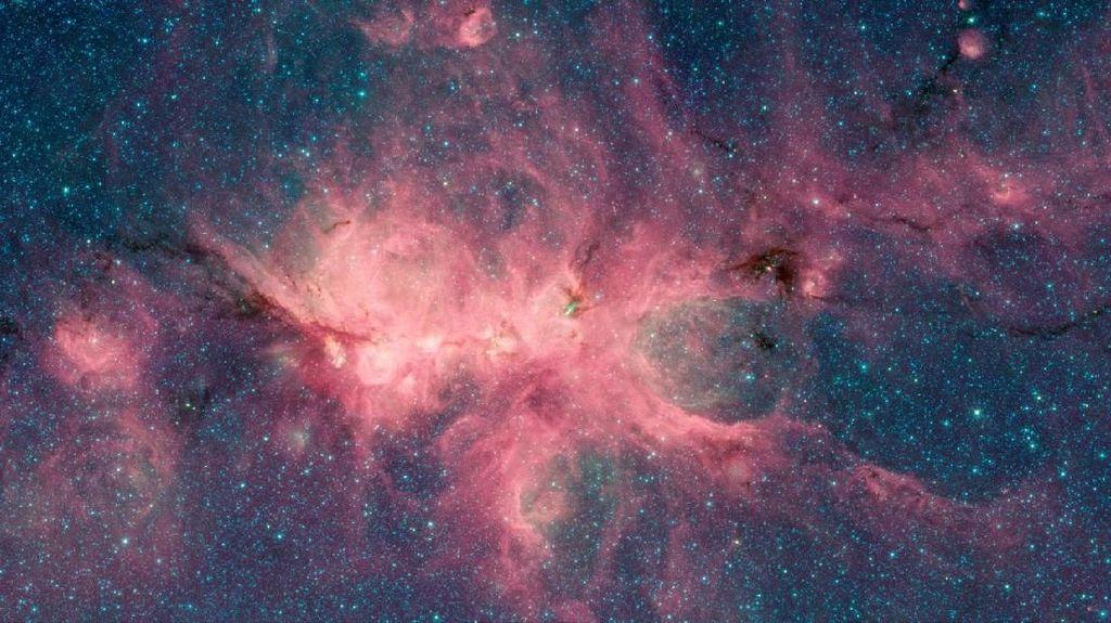 Deretan Nebula Menawan Tangkapan Teleskop Spitzer NASA