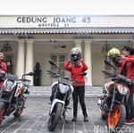 Pemuda Pencinta Mobil-Motor Rajin Belajar Sejarah di Museum