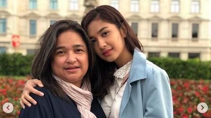 Ibunda Mikha Tambayong mengidap penyakit autoimun yang disebut Sjogren syndrome. Foto: Instagram @miktambayong