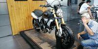 Ducati Scrambler 1100 Sport.