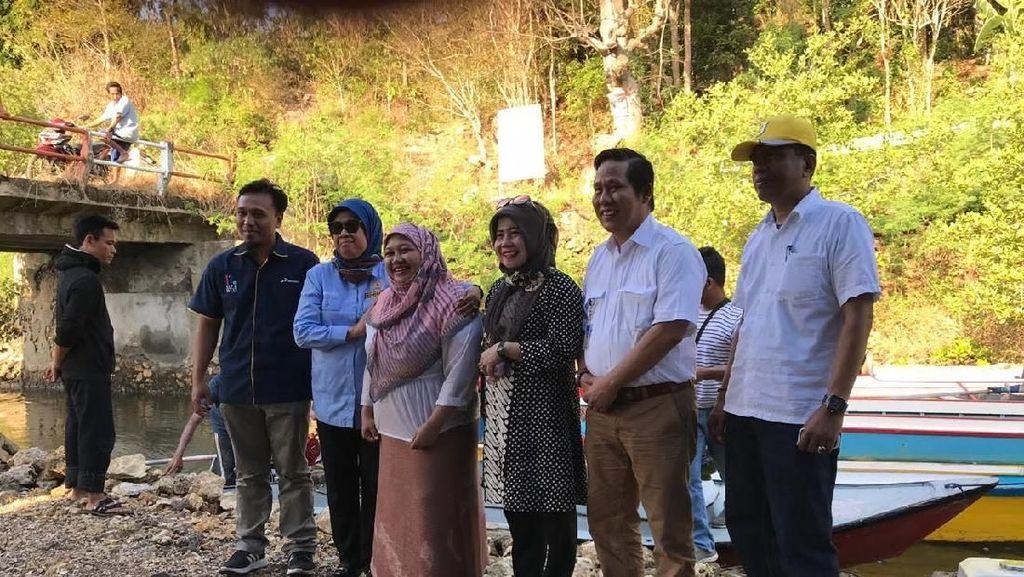 Pertamina Bagikan 947 Konverter Kit untuk Nelayan di Bone