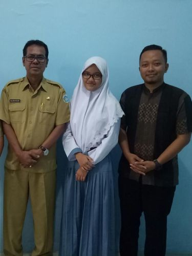 Kiprah Arsseliyah, Pelajar yang Sukses Jual Serundeng Hingga Malaysia