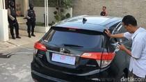 KPK Sita 2 Mobil di Rumah Anak Bupati Cirebon