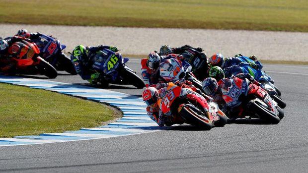 Marc Marquez sempat memimpin balapan di MotoGP Australia hingga akhirnya gagal finis. (