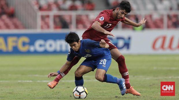 Timnas Thailand kalah 3-7 dari Qatar.
