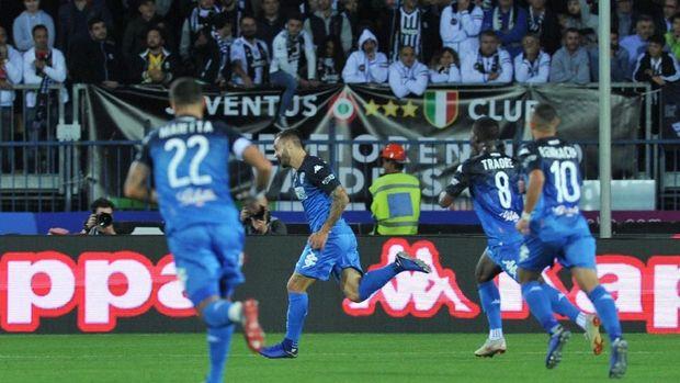 Gol Francesco Caputo sempat membuat Empoli unggul di babak pertama.