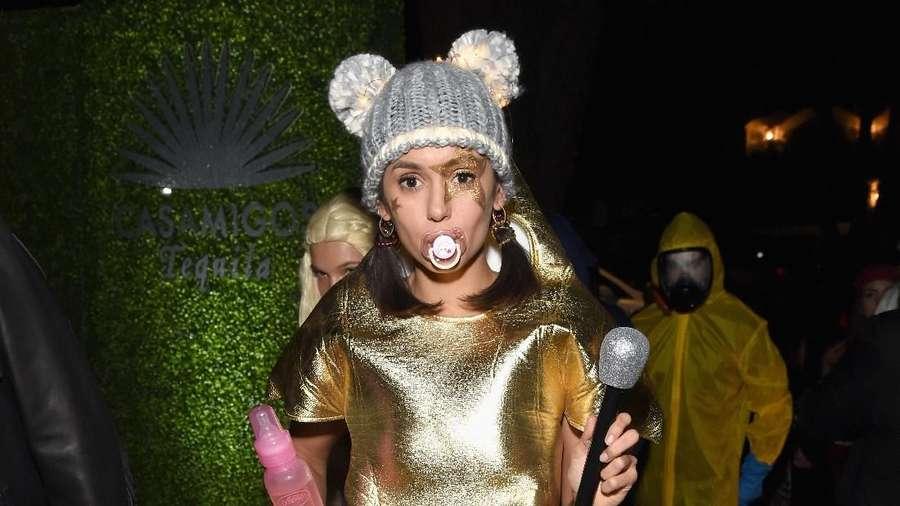 Parade Kostum Halloween Selebriti Hollywood