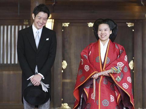 Putri Ayako melepas gelar bangsawannya karena dinikahi pria biasa.