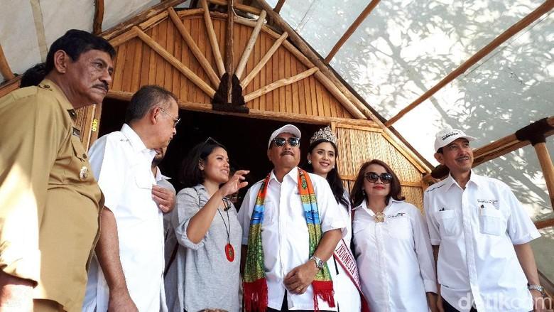 Menteri Pariwisata Arief Yahya (tengah) saat meninjau KEK Tanjung Kelayang dan sekitarnya (Afif Farhan/detikTravel)