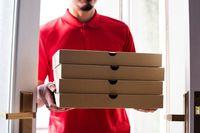 Duh, Curhat Netizen Soal Perjuangan Pengantar Pizza 30 Menit Ini Bikin Sedih!
