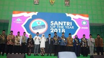 Dahlan Iskan Raih Santri of The Year 2018