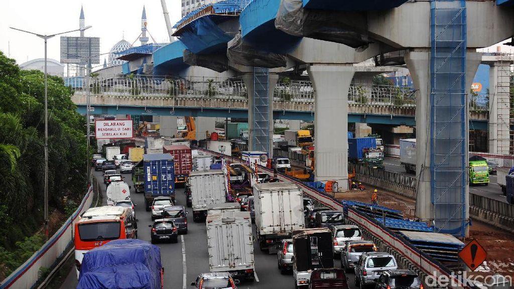 Proyek Tol Layang Japek Dituding Biang Kemacetan, Ini Kata Jasa Marga