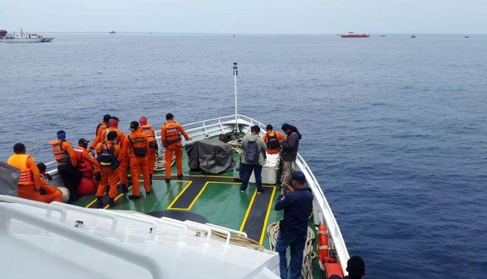 Kapal Kemenhub melakukan penyisiran di perairan Karawang.Istimewa/Ditjen Perhubungan Laut Kemenhub
