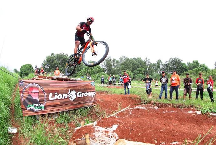 Ratusan Atlet Ikuti Balap Sepeda JPM