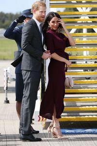 Liburan Pakai Jet Pribadi, Pangeran Harry dan Meghan Markle Disebut Munafik