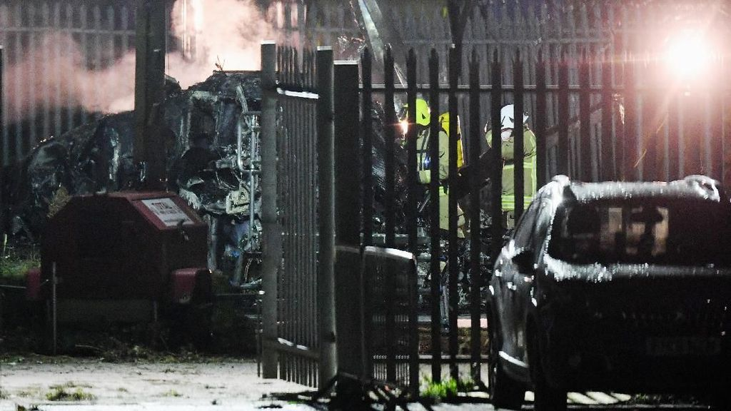 Video Helikopter Bos Leicester City Jatuh dan Terbakar