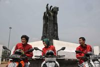 Road Warriors KTM ke Tugu Proklamasi Karawang.