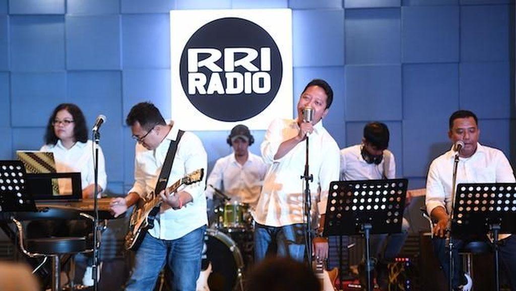Sumpah Pemuda, Band Pimpinan Rommy Nyanyikan Lagu Kebangsaan