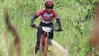 Atlet sepeda wanita Noviana dari Batik Air Racing Team menjadi salah satu jawara di kelas Women Open. Istimewa/JPM Bike Park.