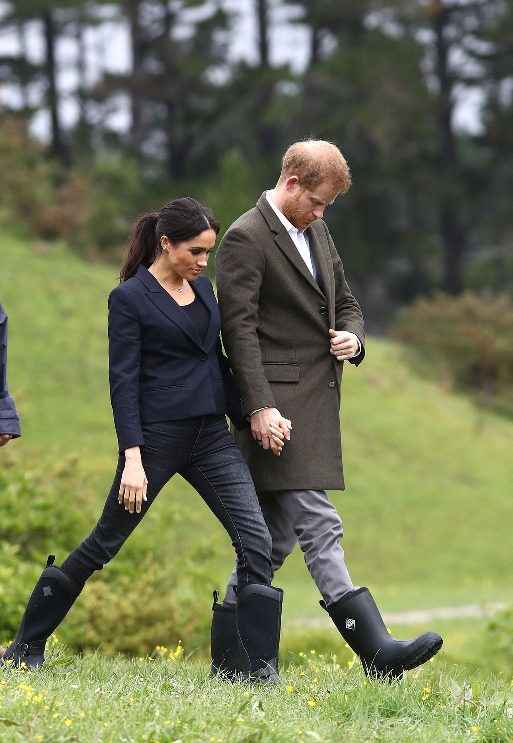 AUCKLAND, NEW ZEALAND - OCTOBER 30: Prince Harry, Duke of Sussex and Meghan, Duchess of Sussex attend the unveiling of The Queen's Commonwealth Canopy in Redvale on October 30, 2018 in Auckland, New Zealand. The Duke and Duchess of Sussex are on their official 16-day Autumn tour visiting cities in Australia, Fiji, Tonga and New Zealand. (Photo by Phil Walter/Getty Images)