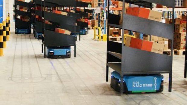 Alibaba Gunakan Robot Layani Permintaan Barang di Hari Jomblo