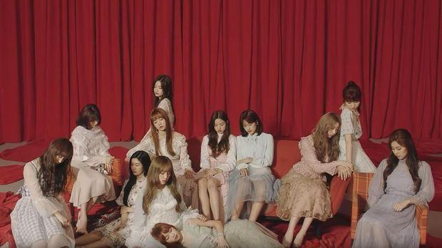 Girlband IZ*ONE batal tampil di MAMA 2019 akibat skandal manipulasi Produce X 101.