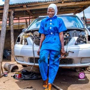 Viral Foto Montir Berhijab Asal Nigeria, Ini Faktanya
