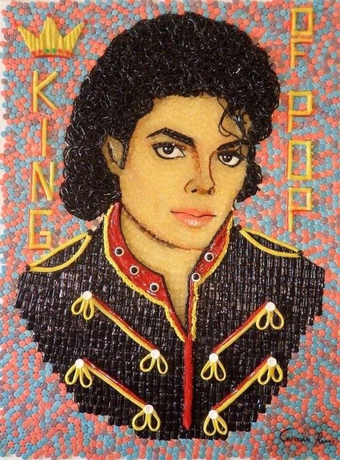 Christiam Ramos menciptakan hasil karyanya dengan menggunakan ribuan permen, Ramos berhasil merangkainya menjadi potret selebriti dunia. salah satunya Michael Jackson. Foto: Istimewa