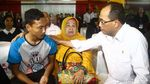 Menhub Sambangi Keluarga Korban Lion Air di RS Polri