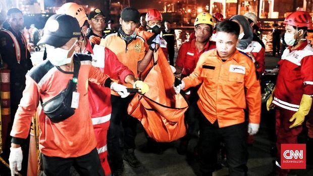 Sudah 34 kantong jenazah di Posko Evakuasi di Dermaga JICT 2, Pelabuhan Tanjung Priok, Jakarta Utara, hingga Selasa sore.