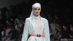 Foto: Warna-warni Jakarta dalam Koleksi Busana Terbaru Norma Hauri