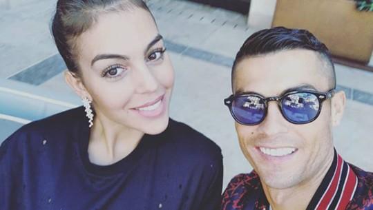Cristiano Ronaldo Lengserkan Tahta Selena Gomez di Instagram