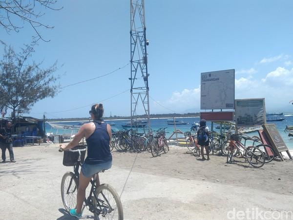 Wisatawan domestik maupun mancanegara sudah terlihat di Gili Trawangan (Harianto/detikTravel)