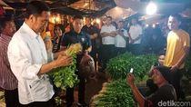 Malam-malam, Jokowi Blusukan Cek Harga Sembako di Pasar Bogor
