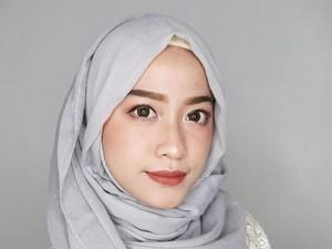 Tutorial Hijab Pashmina Agar Tak Terlihat Tembem
