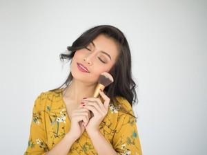 Ini Dia Cara Makeup Tetap Awet Tanpa Retouch