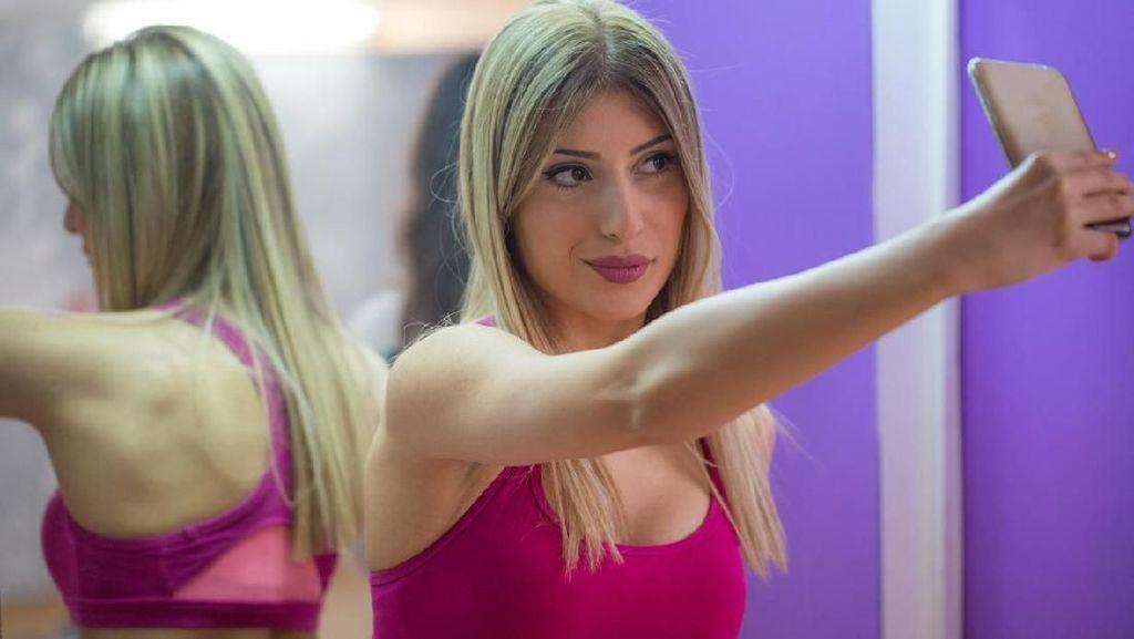 Suka Cekrak-Cekrek di Gym? Catat, Ini Plus-Minus Pamer Foto Saat Olahraga