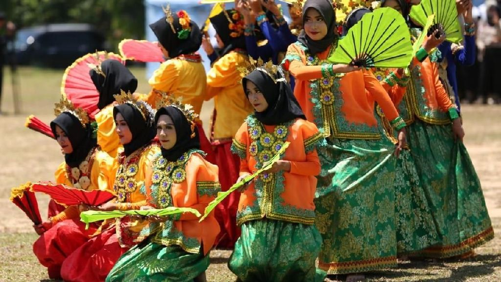 5 Alat Musik Sulawesi Selatan dan Cara Memainkannya