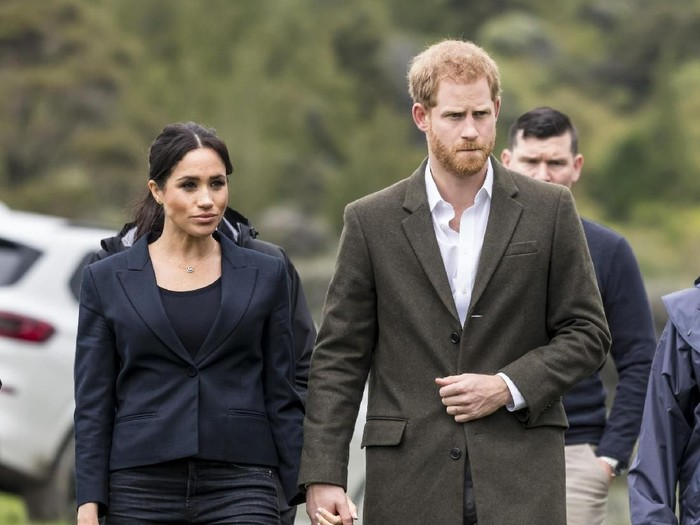 AUCKLAND, NEW ZEALAND - OCTOBER 30: Prince Harry, Duke of Sussex and Meghan, Duchess of Sussex attend the unveiling of The Queens Commonwealth Canopy in Redvale on October 30, 2018 in Auckland, New Zealand. The Duke and Duchess of Sussex are on their official 16-day Autumn tour visiting cities in Australia, Fiji, Tonga and New Zealand. (Photo by Phil Walter/Getty Images)