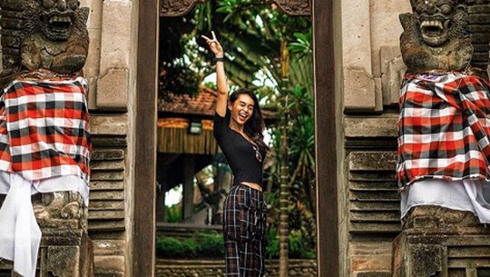 Potret Liburan Conchita Carolina di Bali