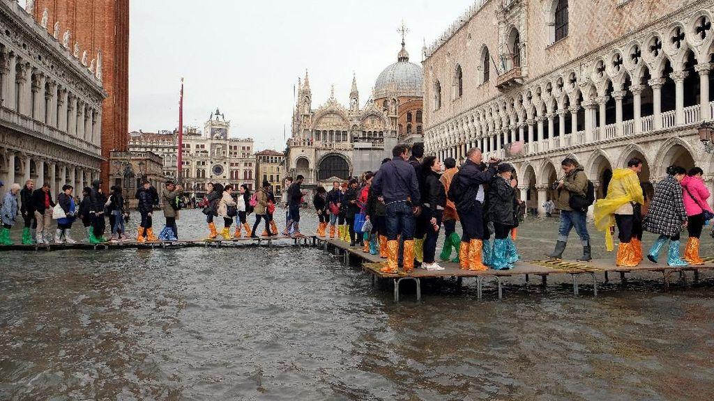 Foto: Banjir Terburuk di Venesia dalam 10 Tahun Terakhir