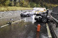Ngeri! Audi R8 ini Terbelah Dua Setelah 'Senggol' VW