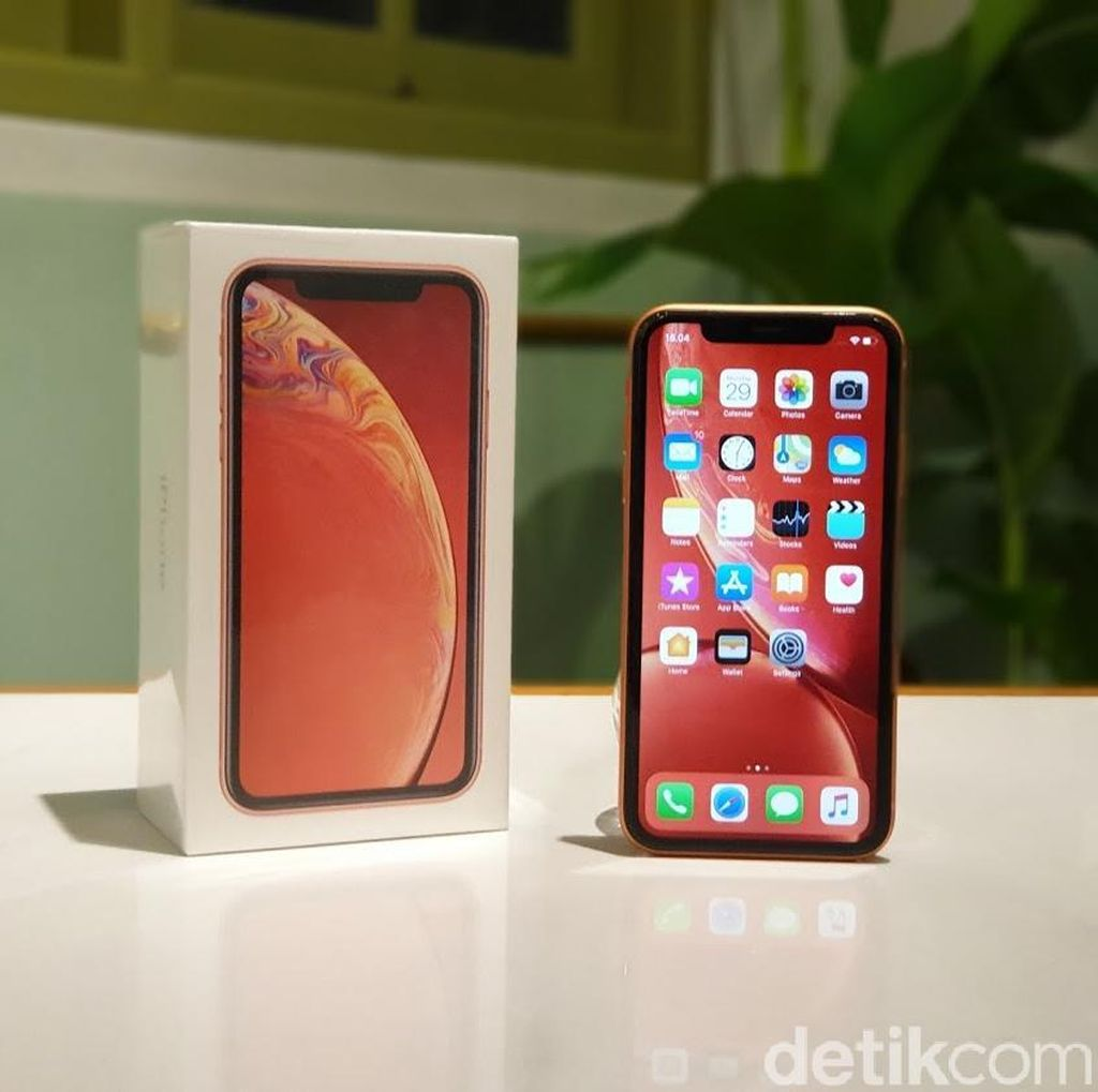 Menguak Penyebab iPhone Kewalahan Lawan Ponsel China