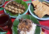 Kuliner Semarang: nasi gandul.