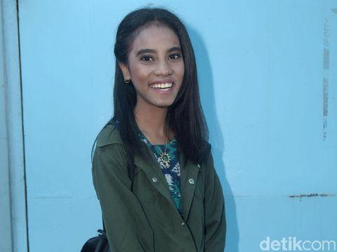 Karier Mamah Dedeh, Formasi Lengkap Keluarga Maia dan Irwan Mussry