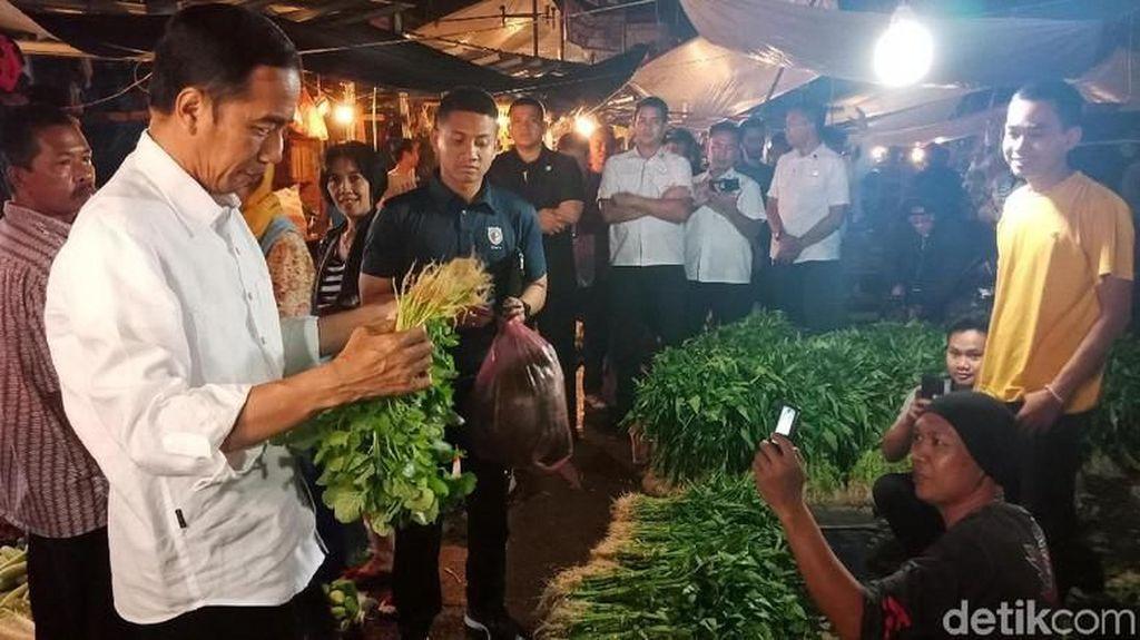 Blusukan Malam ke Pasar Bogor, Jokowi Pastikan Harga Stabil