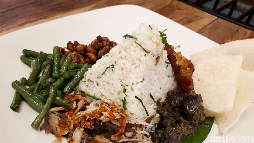 Artivator: Sedap! Nasi Campur dan Es Kopi Kacang Buatan Kafe Artsy di Depok